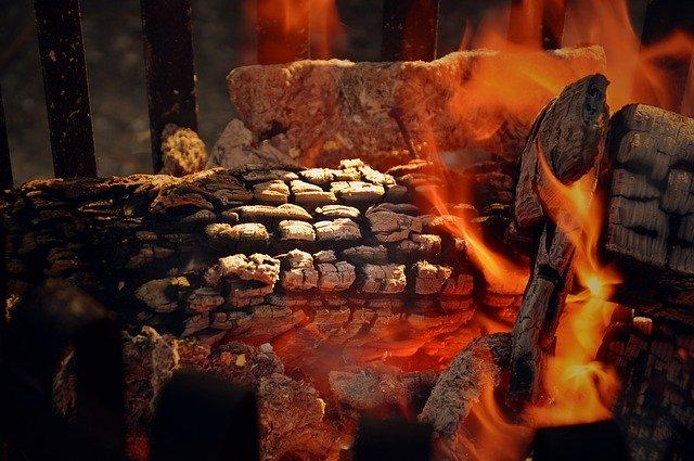 Madera quemando